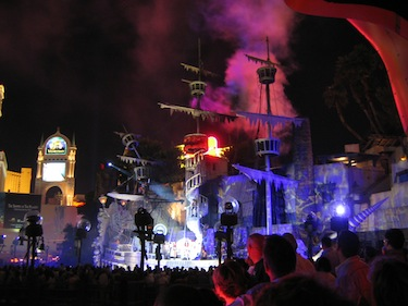 Pirate ships in Siren's Cove